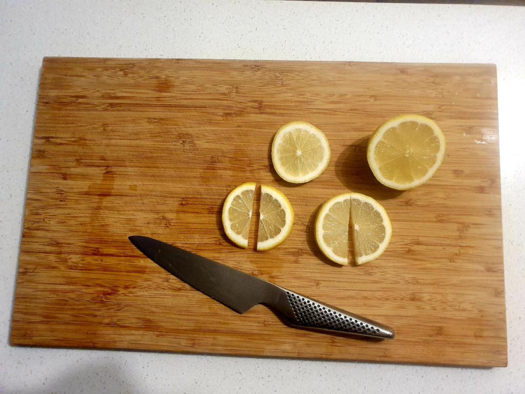 Cutting lemon slices