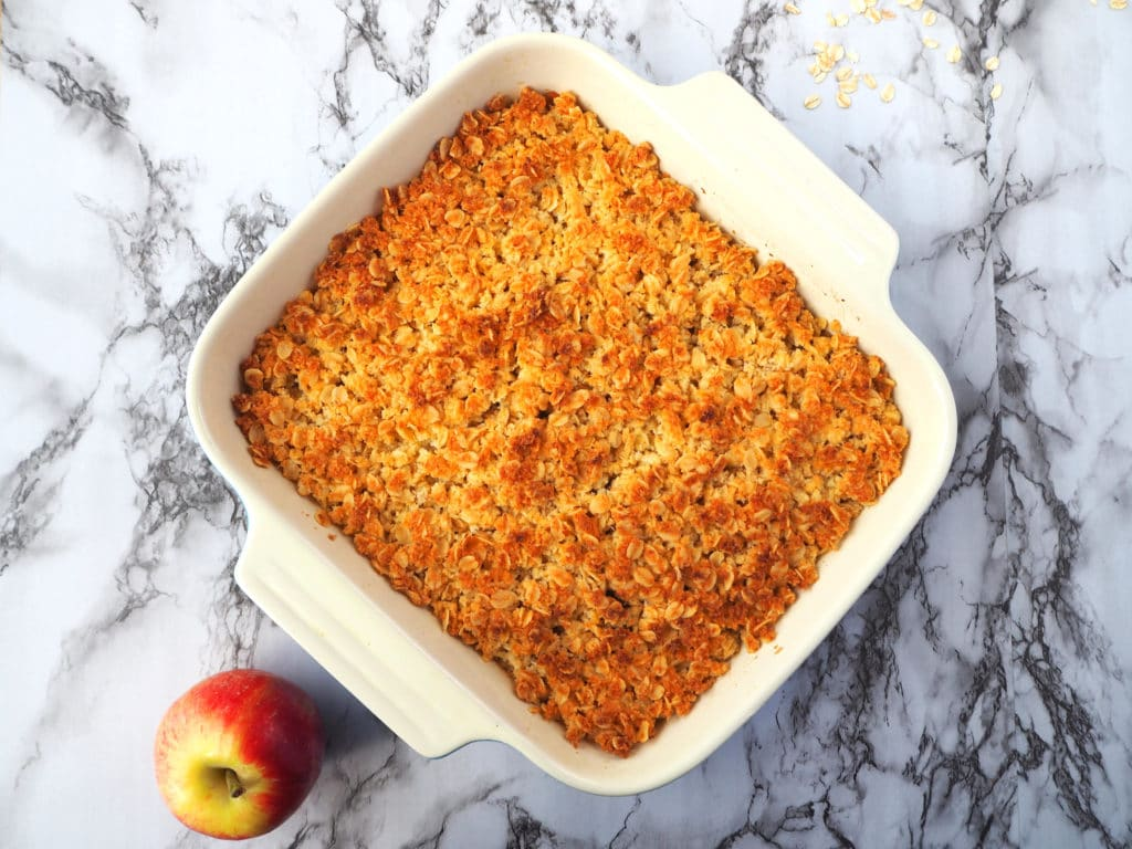 Apple crumble with apple