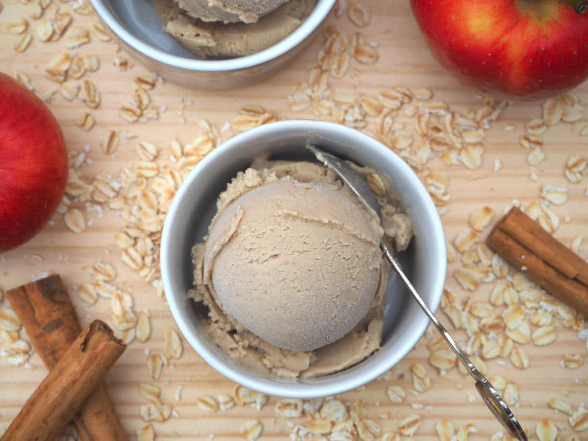 Cinnamon apple oat ice cream without oat sprinkles