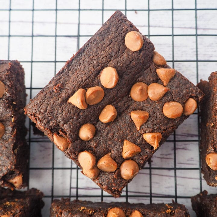 Close up of eggless brownies on a cooling rack.